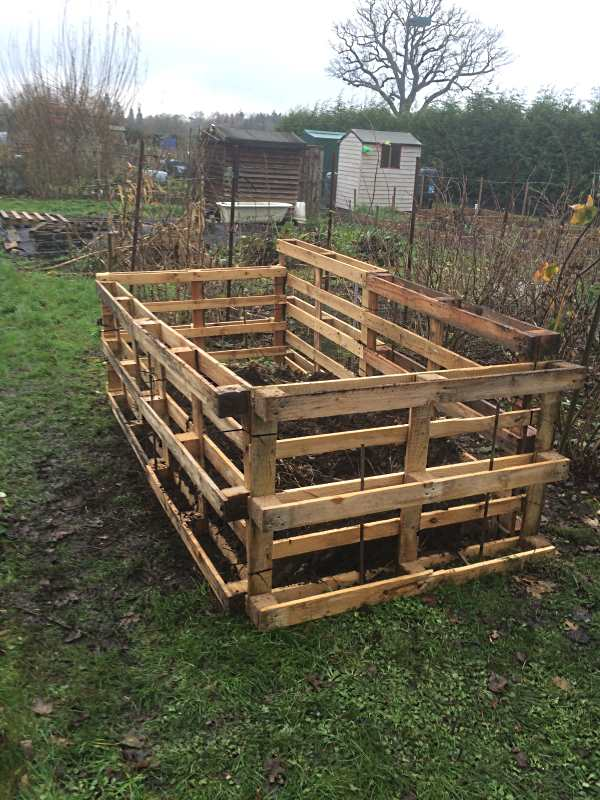 Build a Compost Bin from Wooden Pallets